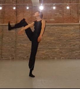 Kate Stashko performing.